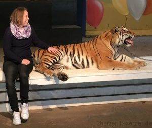 eine Tiger - Dame names Mara